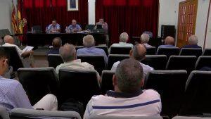 Los regantes de la Vega Baja piden la dimisión del presidente de la CHS