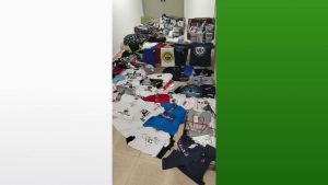 La Policía Local se incauta de 300 productos presuntamente falsificados en el mercadillo semanal