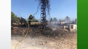 Los bomberos extinguen cuatro incendios consecutivos en Guardamar del Segura