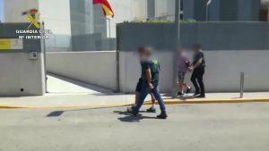 Detenidos por robarle más de 200.000 euros a la anciana que cuidaban