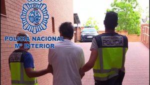 La Policía Nacional detiene en Pilar de la Horadada a un fugitivo buscado por autoridades italianas