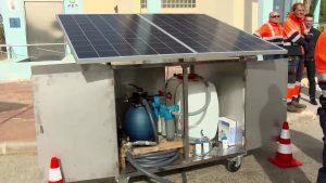 Los trabajadores de la depuradora de Torrevieja construyen una potabilizadora solar para Bali