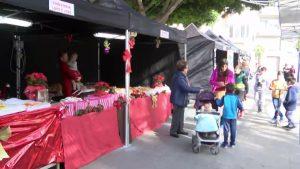 Gran ambiente festivo en la Feria de Navidad de Cox