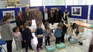 """Los premios """"Abarcas Desiertas"""" son entregados a escolares en Orihuela"""