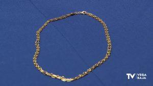 Se recuperan las cadenas sobre las que colgaban las Cruces Pectorales robadas a la Purísima