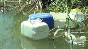 La UMH revela que las acequias y azarbes de la Vega Baja acumulan más residuos urbanos que agrícolas