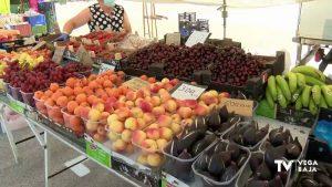 El mercadillo semanal de Torrevieja abre sus puertas con una buena respuesta ciudadana