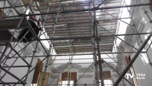 La cubierta de la iglesia Santas Justa y Rufina habría cedido por el peso de las capas que la forman