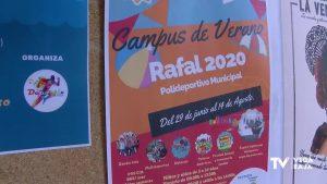 Las escuelas y los campus de verano hacen frente a la COVID-19