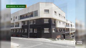 Cs lamenta el estado de peligrosidad de un edificio en pleno casco urbano de San Miguel de Salinas