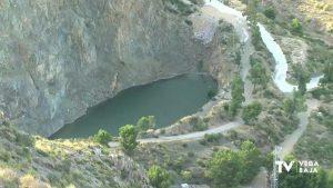 A debate el riesgo del baño en la piscina natural del cerro del Oriolet de Orihuela
