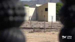 Albatera quema en el cementerio enseres y muebles que recoge en el municipio