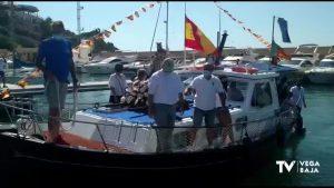 Cabo Roig celebra la Virgen del Carmen con salida por el mar como homenaje a los fallecidos