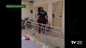 La policía de Pilar de la Horadada identifica a dos ocupantes de una vivienda