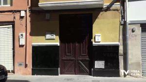 Vecinos de una calle de Orihuela lamentan el hacinamiento y la ocupación ilegal de viviendas