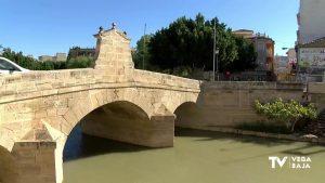 El centro urbano de Rojales recupera la normalidad tras la apertura del puente del siglo XVIII