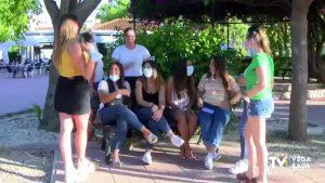 Almoradí recuerda a los jóvenes que la mascarilla «no es una pulsera»