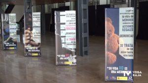 Una exposición refleja la realidad de la trata de mujeres y niñas