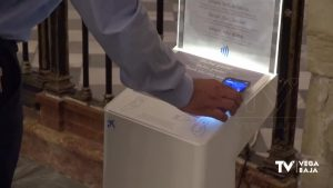 """La catedral de Orihuela se moderniza un """"cepillo digital"""" para hacer donativos de forma online"""