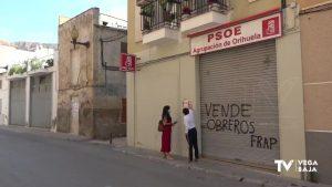 Pintadas en la fachada de la sede del PSOE de Orihuela