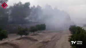 Incendio forestal en San Miguel de Salinas: 10 horas controlando el fuego