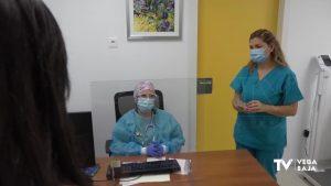 Los profesionales sanitarios atenderán en los centros de salud también por videoconferencia