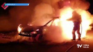 Incendio de un vehículo en Orihuela Costa