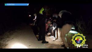 La Policía Local de Albatera sorprende a 13 menores en un botellón sin mantener las medidas