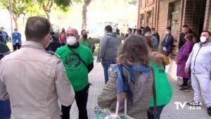 Aplazado el desahucio de tres familias en un mismo edificio de Orihuela