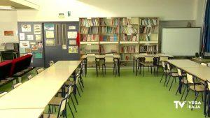 Los alumnos confinados en la provincia de Alicante continúan en descenso
