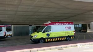 Un hombre de 41 años cae del balcón de un segundo piso en Torrevieja