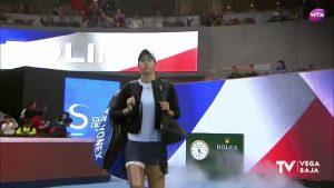 La tenista francesa Caroline García se prepara para el Open de Australia en Guardamar del Segura
