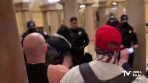Los vecinos de la Vega Baja viven con asombro el asalto al Capitolio de Estados Unidos