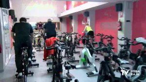 Vuelta al gimnasio para rebajar los excesos de Navidad pero con menos afluencia por la pandemia