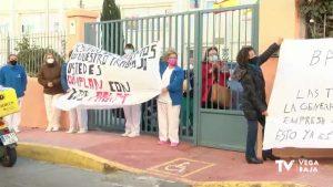 Las limpiadoras de la residencia pública de Torrevieja llevan tres meses sin cobrar