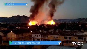 5.000 metros cuadrados de palmeras se ven afectados por las llamas en Bigastro