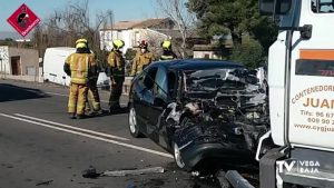 Fallece un hombre de 58 años en un accidente entre un coche y un camión en Rojales