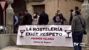 Los hosteleros de la Vega Baja se concentran en Callosa para pedir ayudas