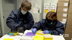 Sanidad vacunará esta semana a más de 25.000 mayores de 90 años y personas dependientes