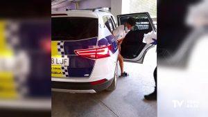 Dos detenidos en Orihuela tras intentar robar en una casa, huir por el tejado y caer a una acequia
