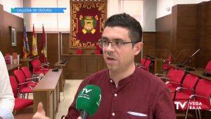El concejal de Izquierda Unida de Callosa de Segura, Rubén Manresa, deja su acta de concejal