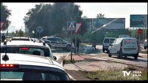 Atropellan a un ciclista en una rotonda de Torrevieja y el conductor se da a la fuga