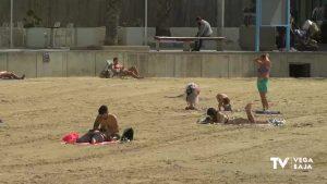 La Comunidad Valenciana pide que la mascarilla no sea obligatoria mientras se toma el sol en verano