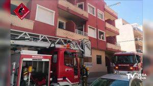 Incendio en un edificio habitado por okupas en Torrevieja