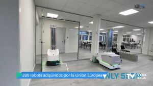 Un robot de luz ultravioleta desinfecta habitaciones del Hospital de Torrevieja en 10 minutos