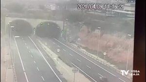 Fallece un joven de 24 años al chocar contra la mediana de un túnel en Pilar de la Horadada