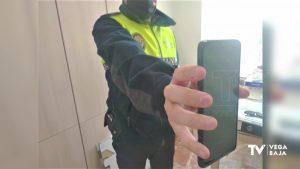 Un niño de 6 años encuentra un móvil en la calle de camino al colegio y se lo entrega a la policía