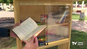 Rojales saca la biblioteca a la calle para acercar la lectura a los vecinos