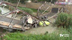 No hay peligro de vertidos en Orihuela tras el desplome de una hormigonera al río en Beniel