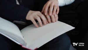 La ONCE reivindica la importancia de acercar la lectura a las personas ciegas